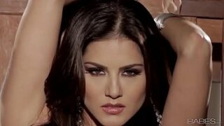 Indian Babes Sunny Leone UNCHAINED XNXX Porn