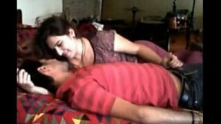 Amateur desi xnxx porn videos of college couple at girl's home