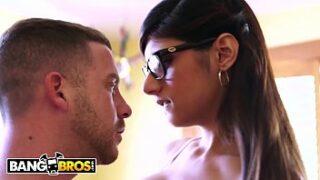 Mia khalifa hot Sex Video with handsome Boyfriend