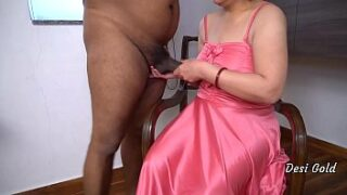 Indian Aunty xnxx Doggy Style Sex With Desi BBC