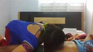 Indian Bhabhi fuck with salesman at bedroom xxx desi porn